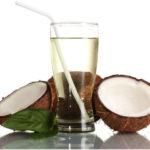 Cómo utilizar el agua de coco para el cabello?